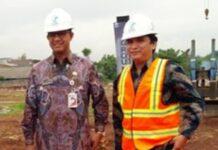 Anies Baswedan bersama tersangka korupsi proyek rumah DP Rp 0, Yoory Corneles, Direktur PD Pembangunan Sarana Jaya.